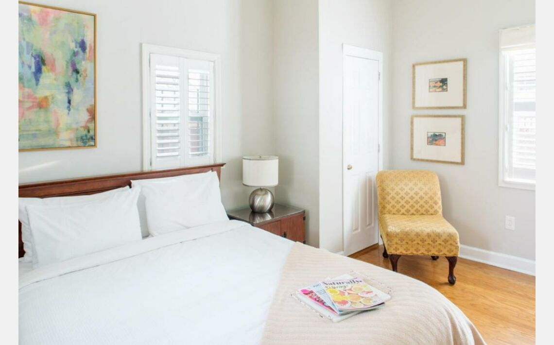 Photos of Parkside Cottage - One Bedroom Apartment. Savannah, 31401, United States of America